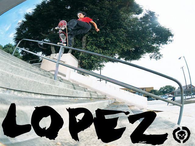 18-23-Adrian_Lopez3